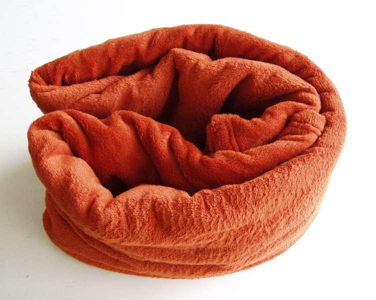 Žádaná chlupatková soft deka cihlové barvy Dadka