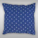 Bavlněné povlečení v modrobílé kombinaci se vzorem malé růžičky Kvalitex