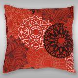 Krepové povlečení s kruhy připomínající květy na červeném podkladu Kvalitex