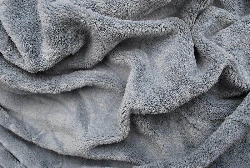 Prostěradlo z mikroflanelu šedé barvy