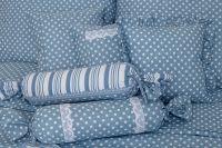 Povlečení selského stylu modré barvy s motivem puntíků a po stranách proužky český výrobce