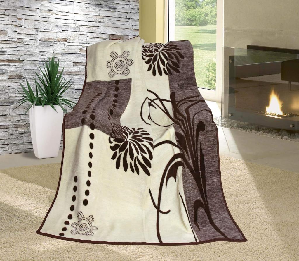 Vzorovaná deka béžovo-hnědá s motivem květů
