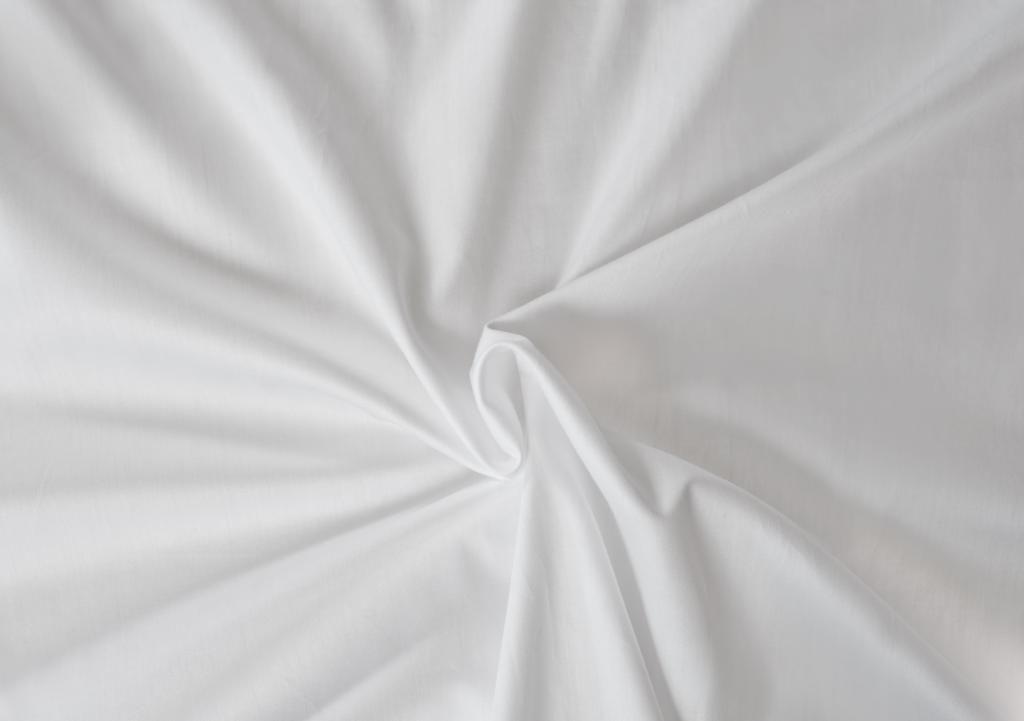 Kvalitní saténové prostěradlo LUXURY COLLECTION v bílé barvě Kvalitex