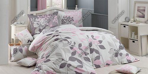 Kvalitní bavlněné povlečení Delicate s květinovým vzorem v pastelových barvách na bílém podkladu Matějovský