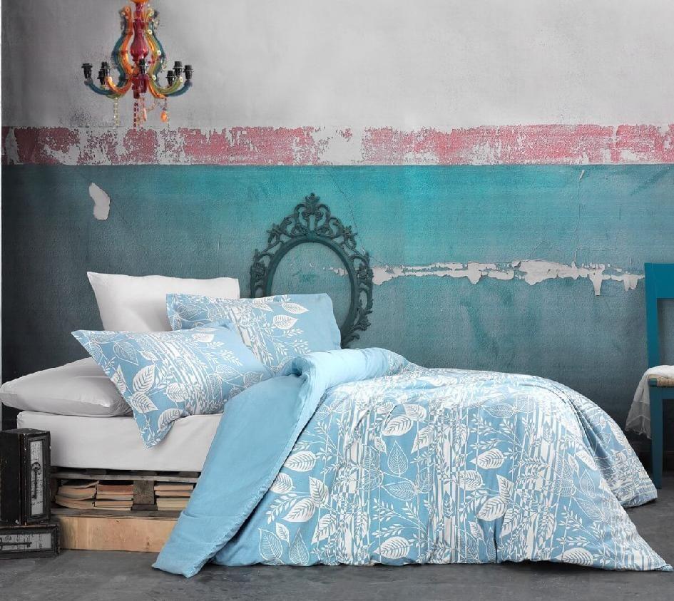 Luxusní flanelové povlečení s atraktivním vzorem bílých lístků na modrém podkladu, flanelové povlečení Tokyo Kvalitex