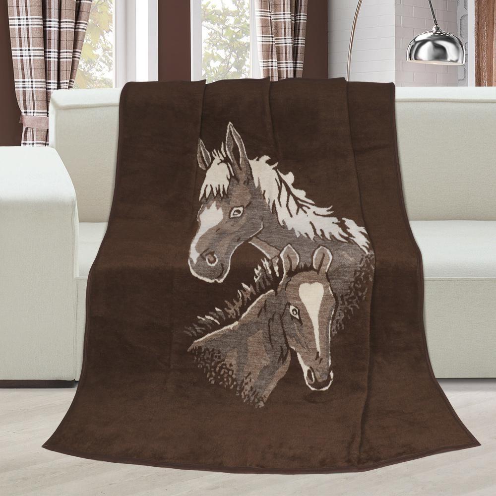 Hřejivá deka vzorovaná s motivem koně