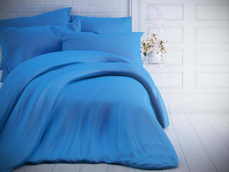 Modré jednobarevné bavlněné povlečení české výroby Kvalitex