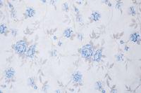 Povlečení oboustranné selského stylu se romantickým drobným vzorem kytiček a růže laděné do modré barvy
