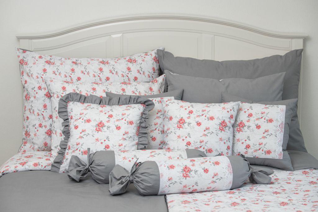 Krepové povlečení oboustranné selského stylu se vzorem růže laděné do červené a šedé barvy