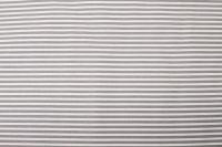 Povlak s kanýrem se vzorem šedého drobného proužku