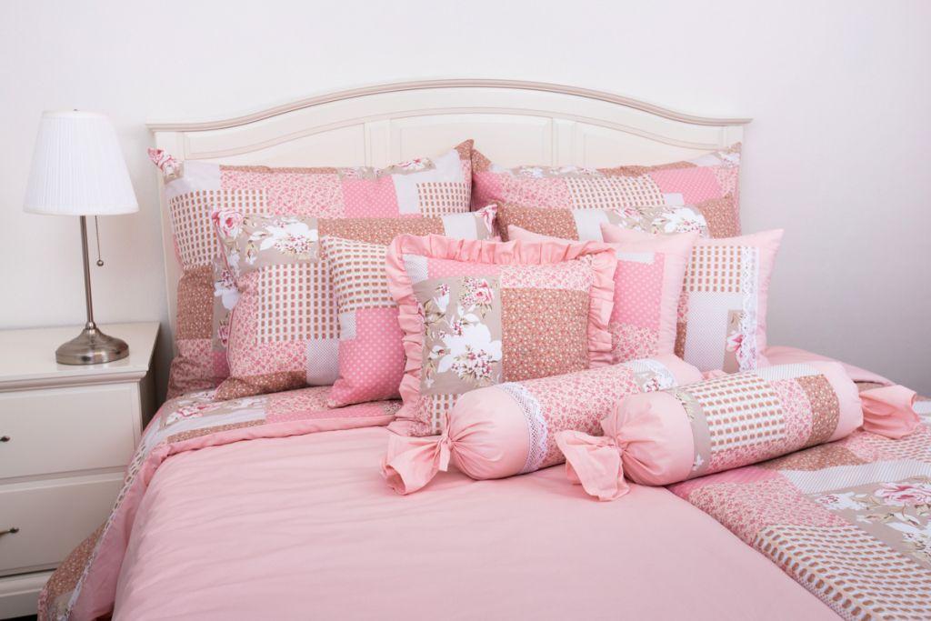 Povlečení oboustranné selského stylu se vzorem patchworku růžové barvy
