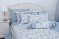 Flanelové povlečení oboustranné selského stylu se romantickým drobným vzorem kytiček a růže laděné do modré barvy