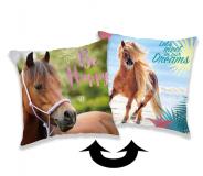 Polštá s motivem koně v kombinaci flitry Horse heart 01 Jerry Fabrics
