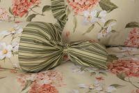 Krepové povlečení oboustranné selského stylu se vzorem hortenzie a proužků laděné do zelenožluté barvy